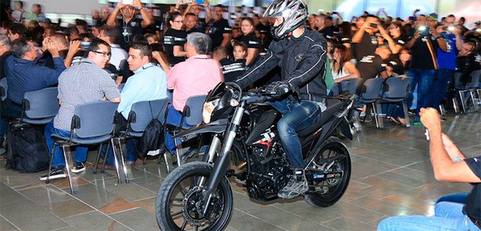 b1d96c8a76b La revolución AKT
